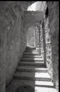 Narrow Ascent. Israel 1986 Photo by Wil Robinson